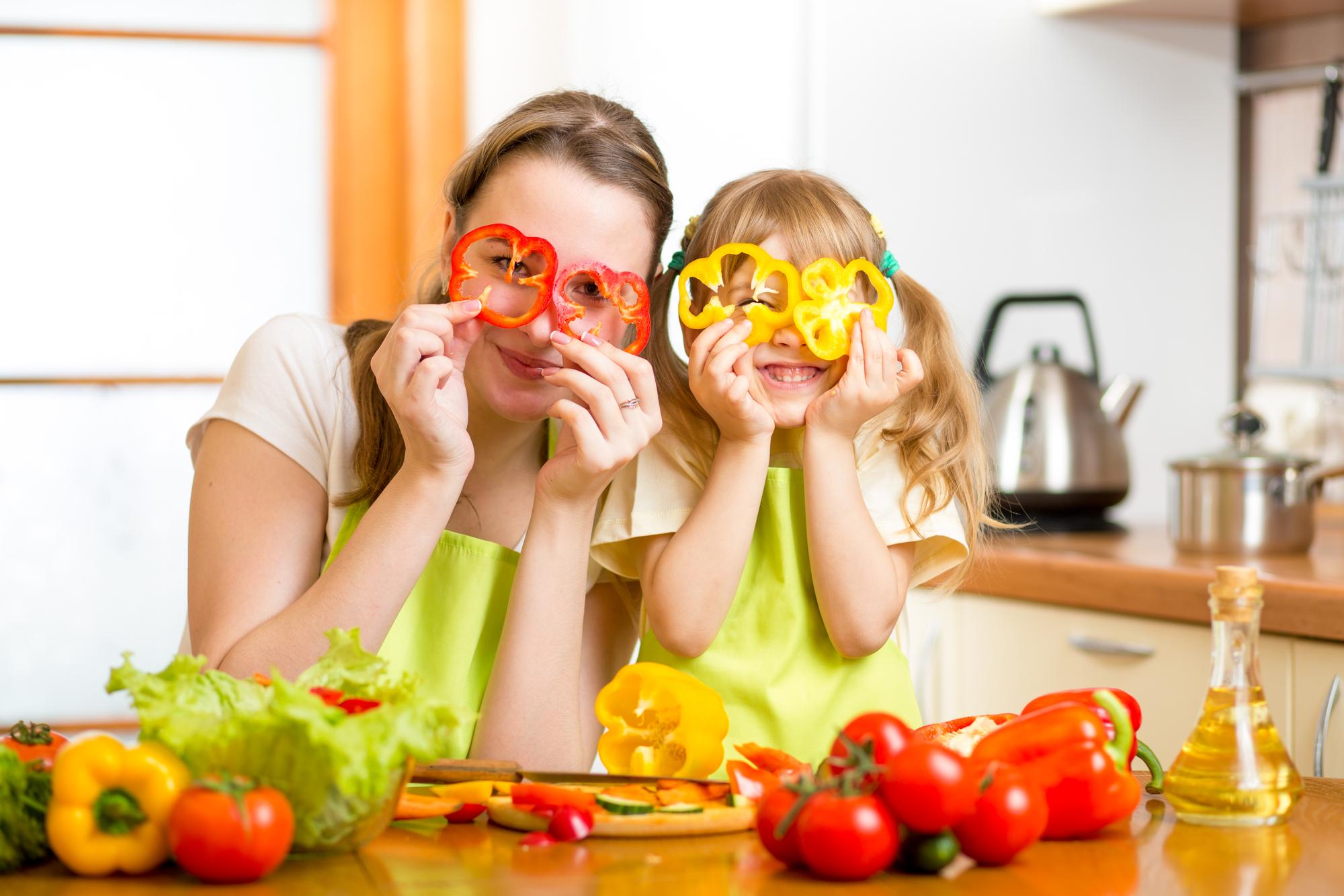 Как готовить овощи, чтобы сохранить их пользу: советы диетолога