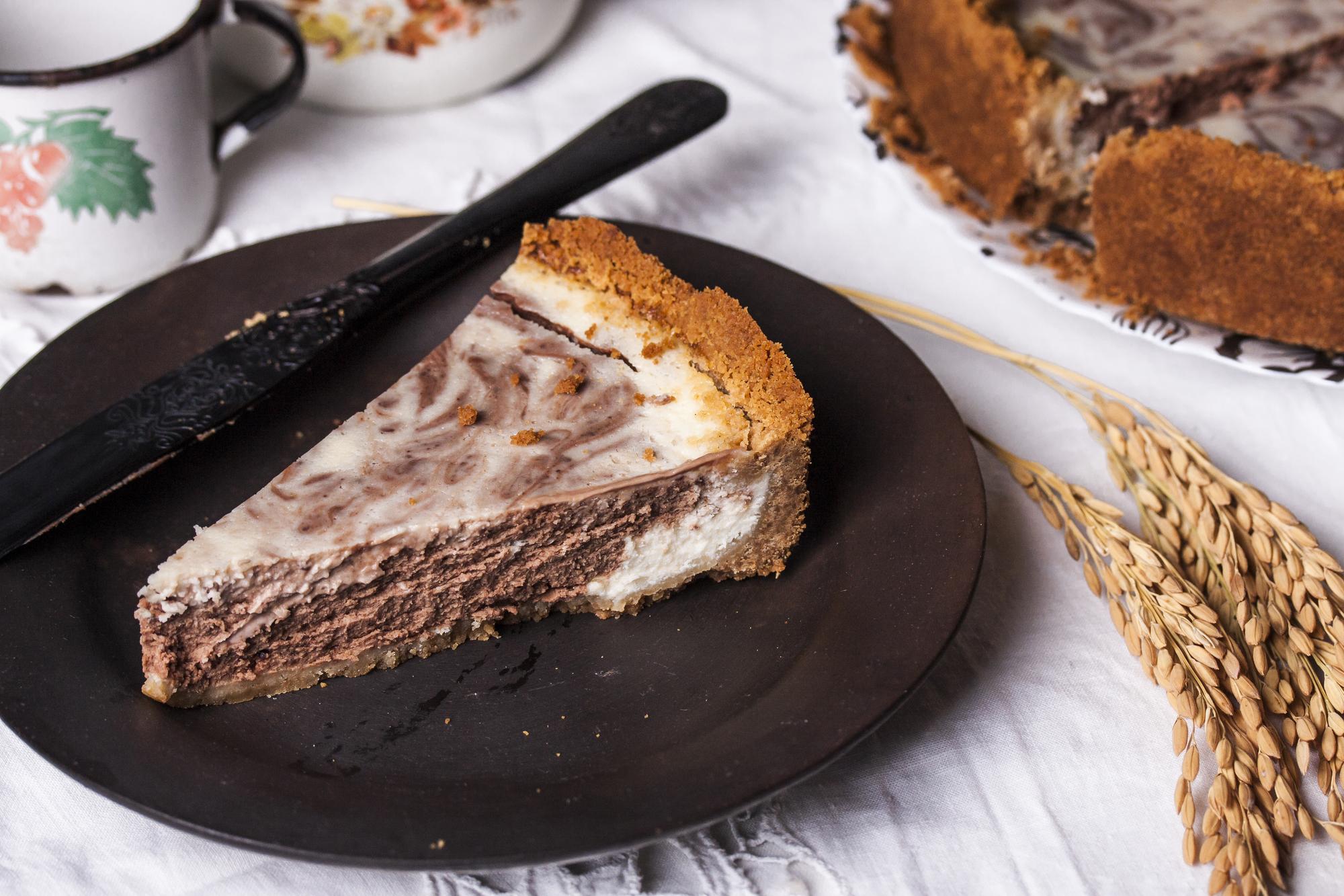 Готовим мраморный чизкейк с молочным и белым шоколадом