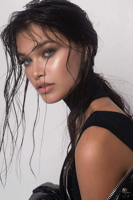 ТОП-5 самых модных причесок этого лета - эффект мокрых волос