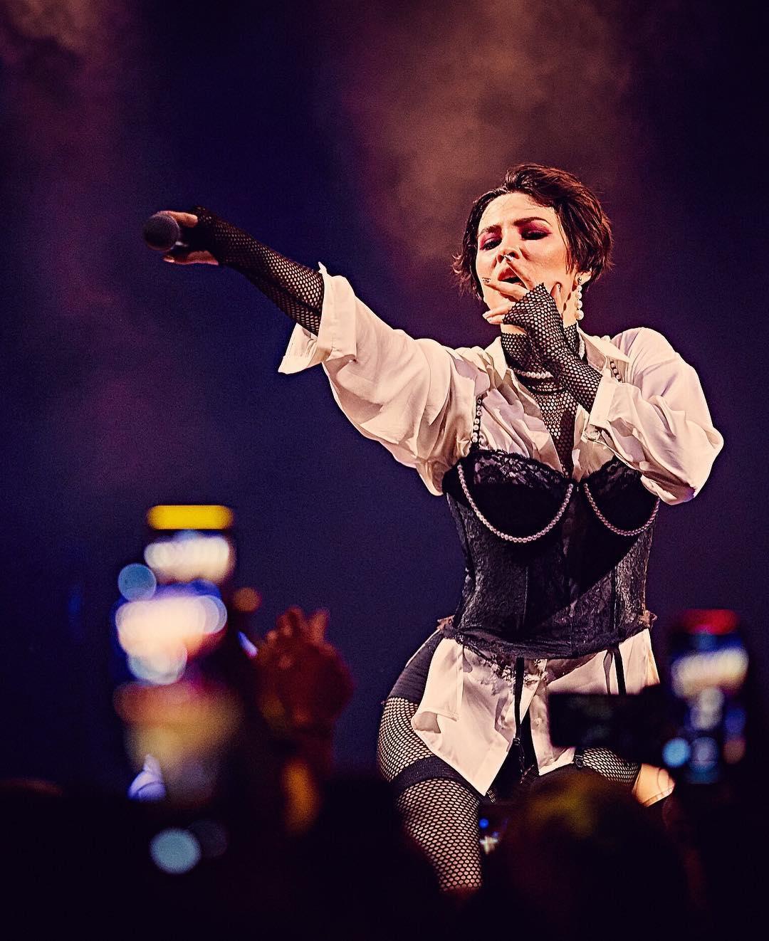 Закулисье Евровидения и голые пупки: MARUV записала откровенный влог