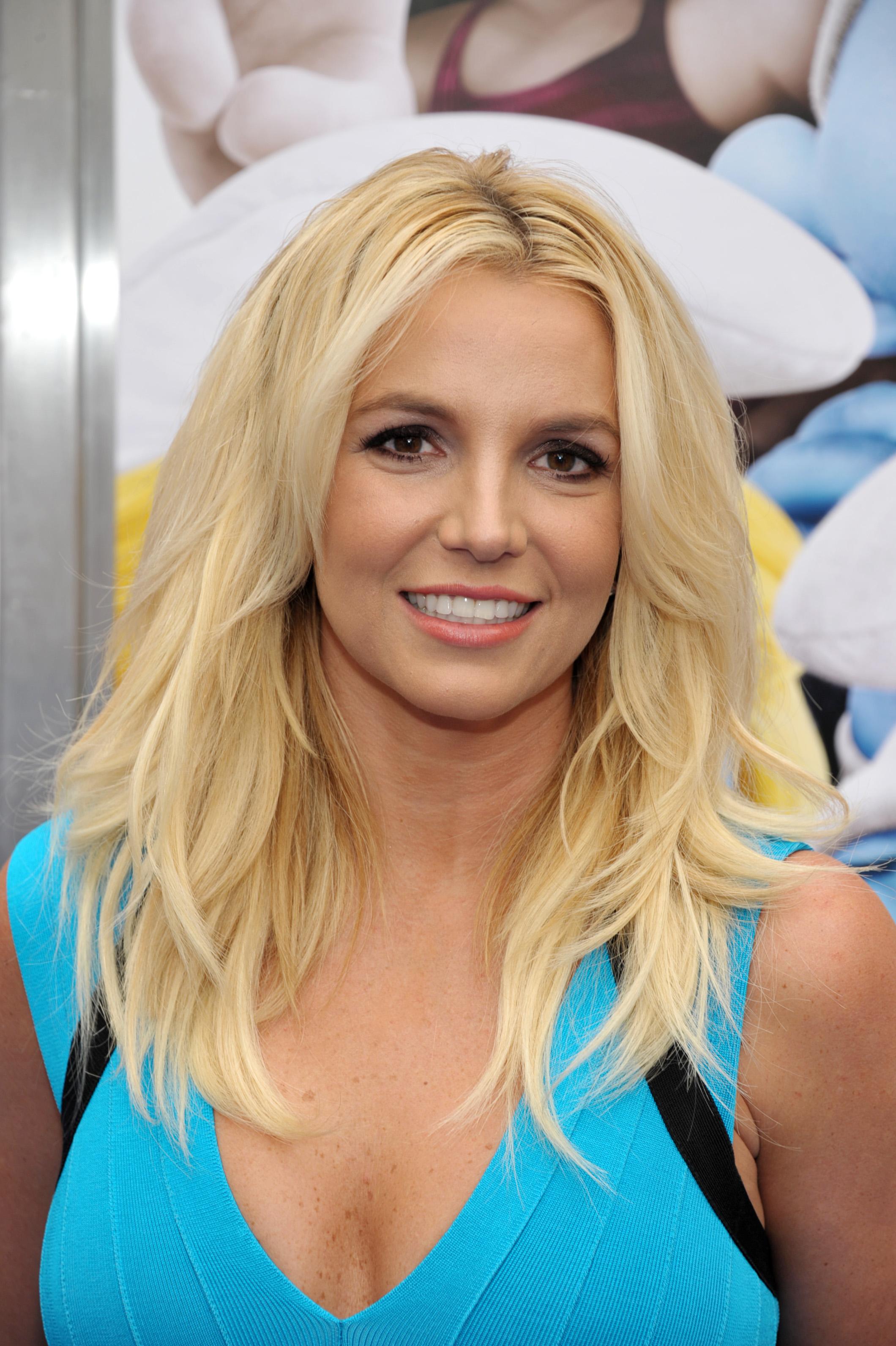 Певица Бритни Спирс считает, что инъекции в губы – это весело