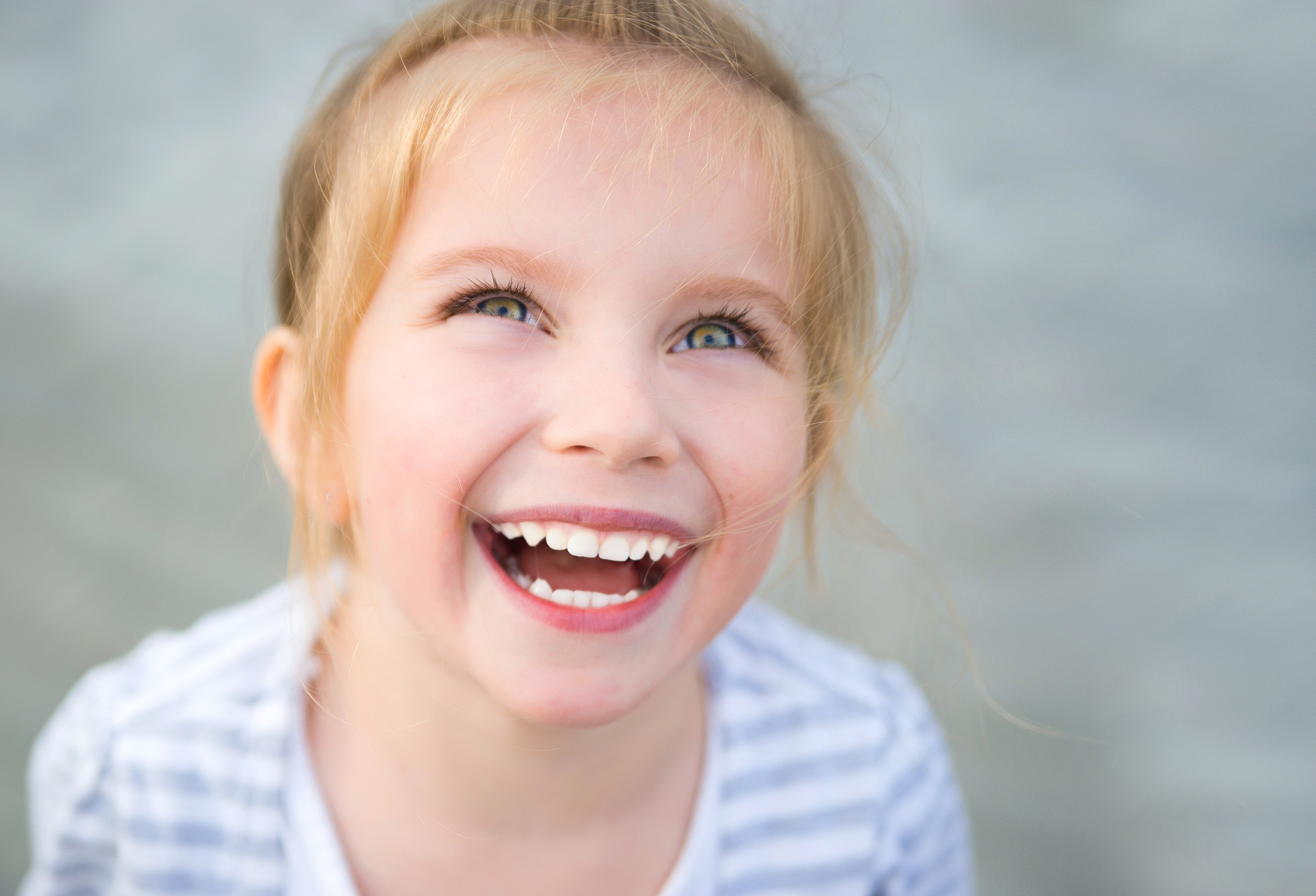 happiness and excitement in the eyes and smiles of children in the photo How to read body language a smile that makes one's eyes crinkle at the one study showed that happiness and excitement.