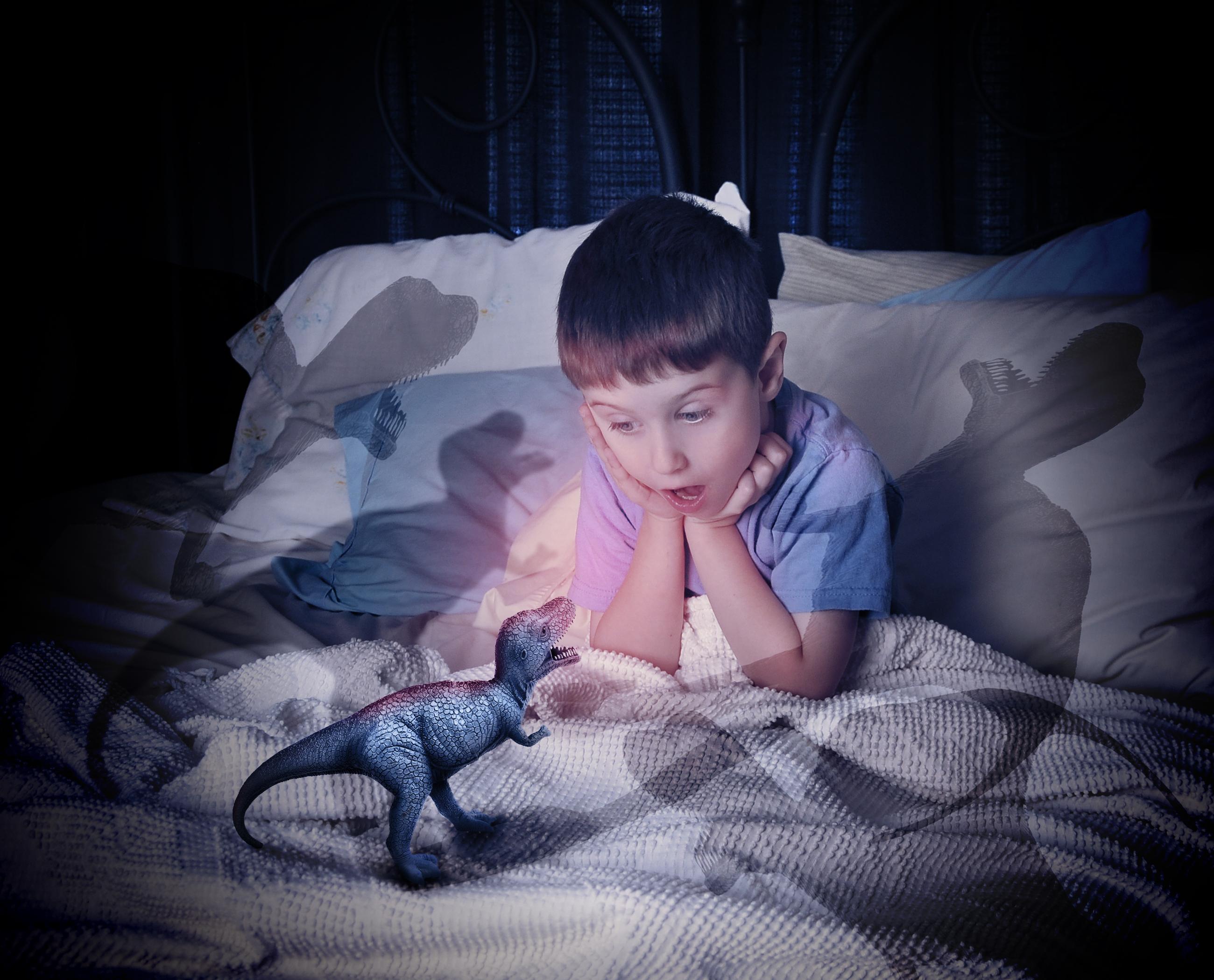 Ребенок боится темноты: Что делать