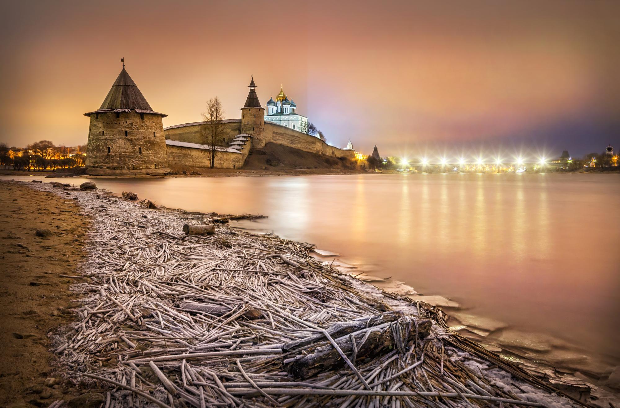 На Родиона обычно на реке появлялся лед