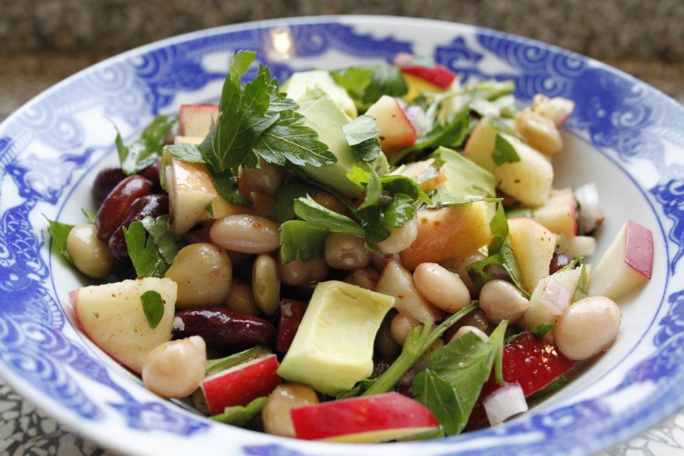 Фото салатов с бобовыми