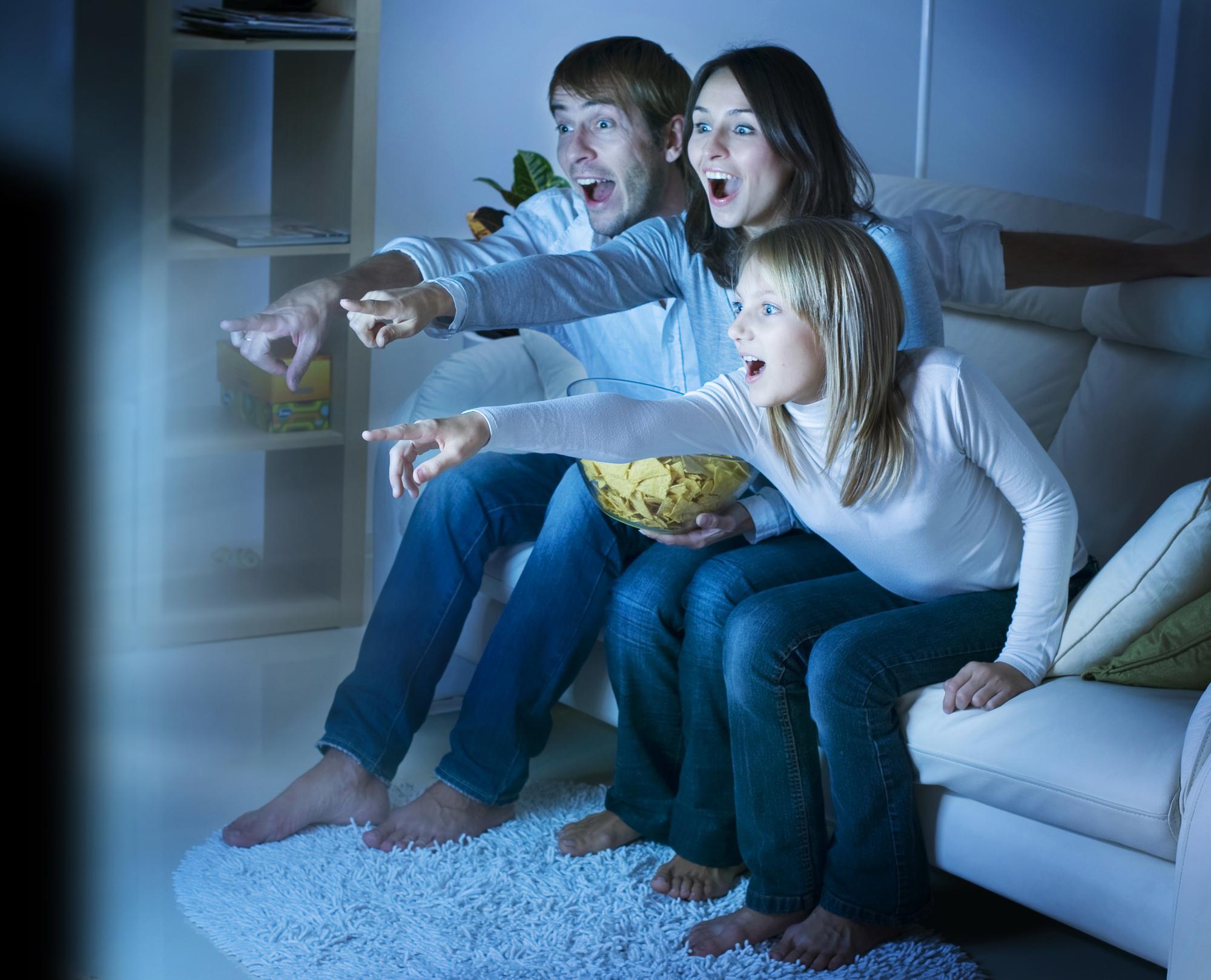 Как выбрать фильм для семейного просмотра
