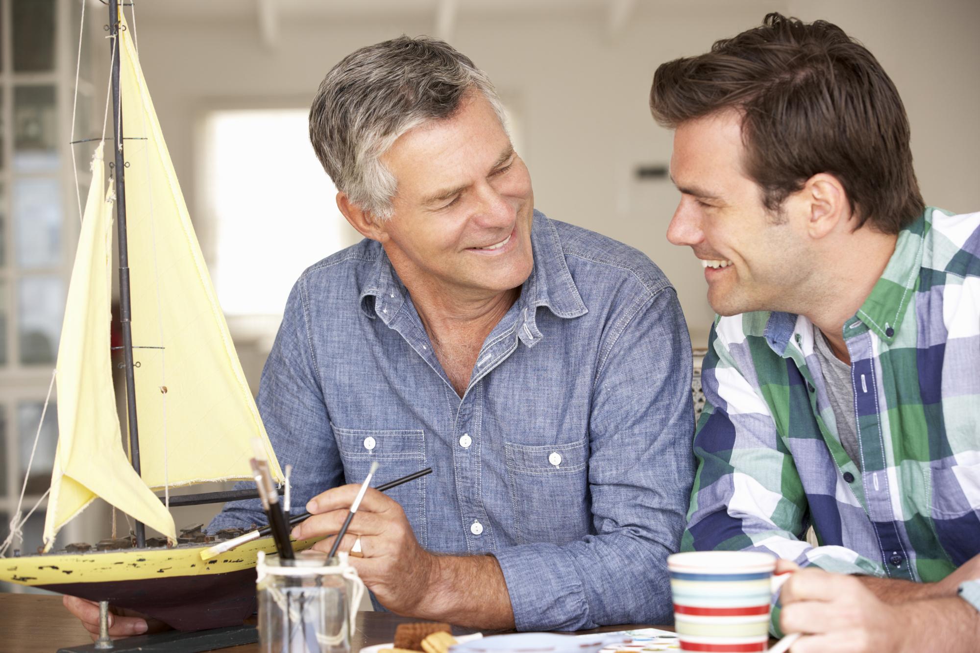 Подарки папам от сыновей в День рождения: ТОП-7 идей, что подарить отцу