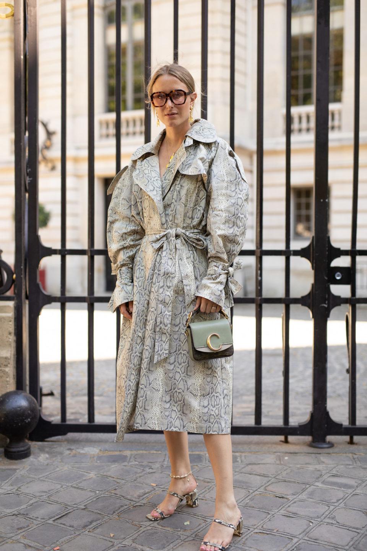 Модная верхняя одежда на весну 2020: Необычный плащ
