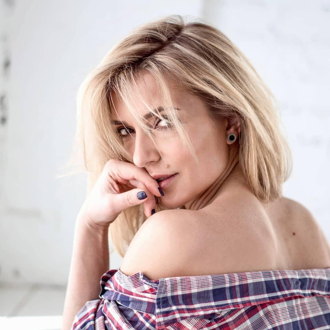 Марина Боржемская-Узелкова снялась в смелой фотосессии и рассказала о разводе
