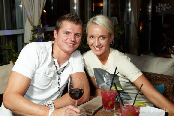 дмитрием тарасовым с женой фото