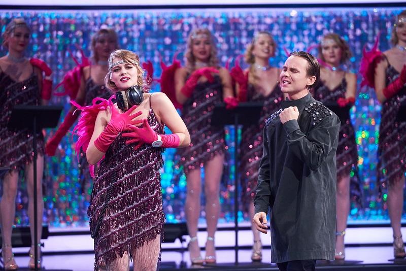 Артем Пивоваров хотел принять роды у блондинки