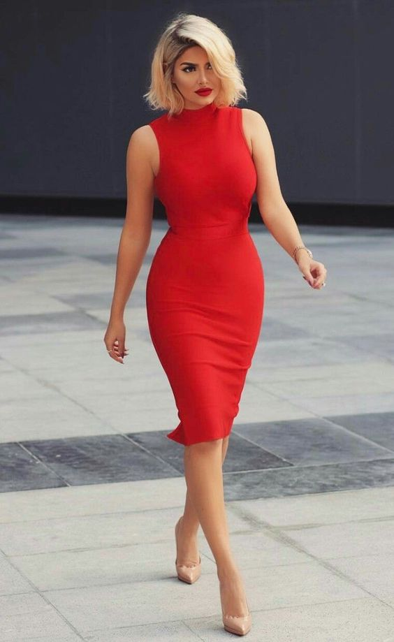 Lady in red: 10 потрясающих вариантов красных платьев для празднования 8 марта