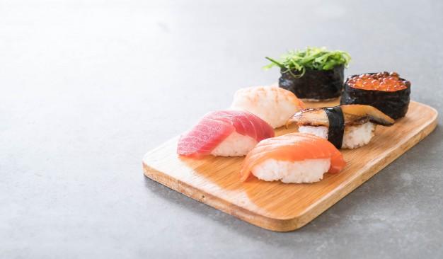 Названы причины, почему роллы и суши могут быть опасны