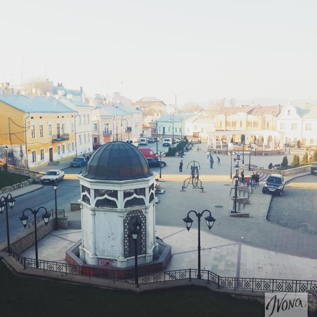 Черновцы, буквально, пропитаны старинной атмосферой, которая витает в каждом уголке города