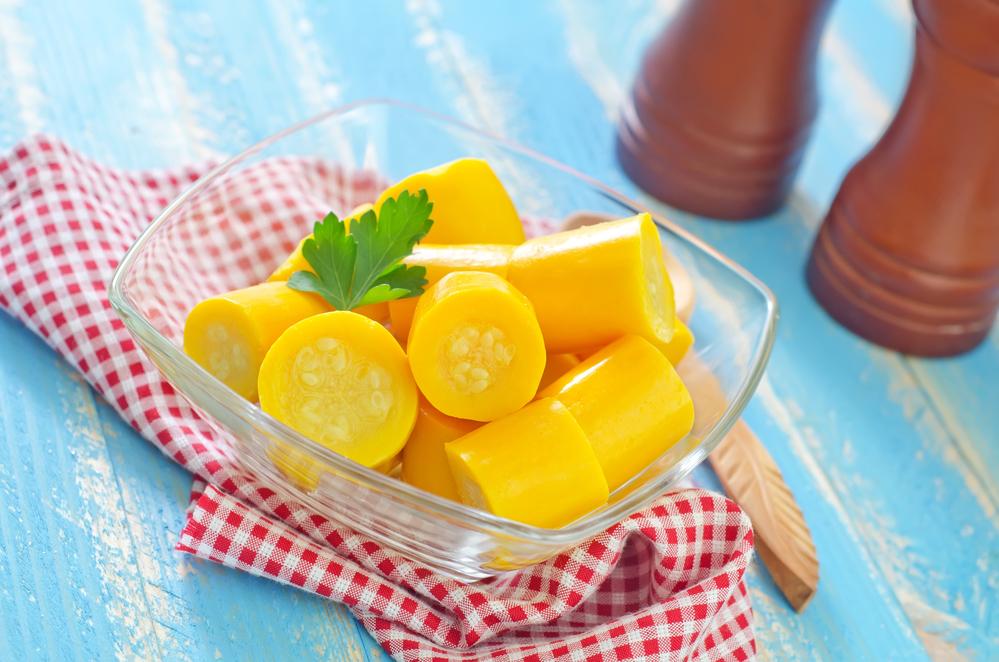 """Желтые маринованные кабачки: закуска """"на быструю руку"""""""