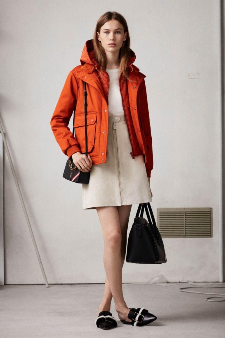 Ошибки стиля девушек с широкими бедрами: Куртка средней длины