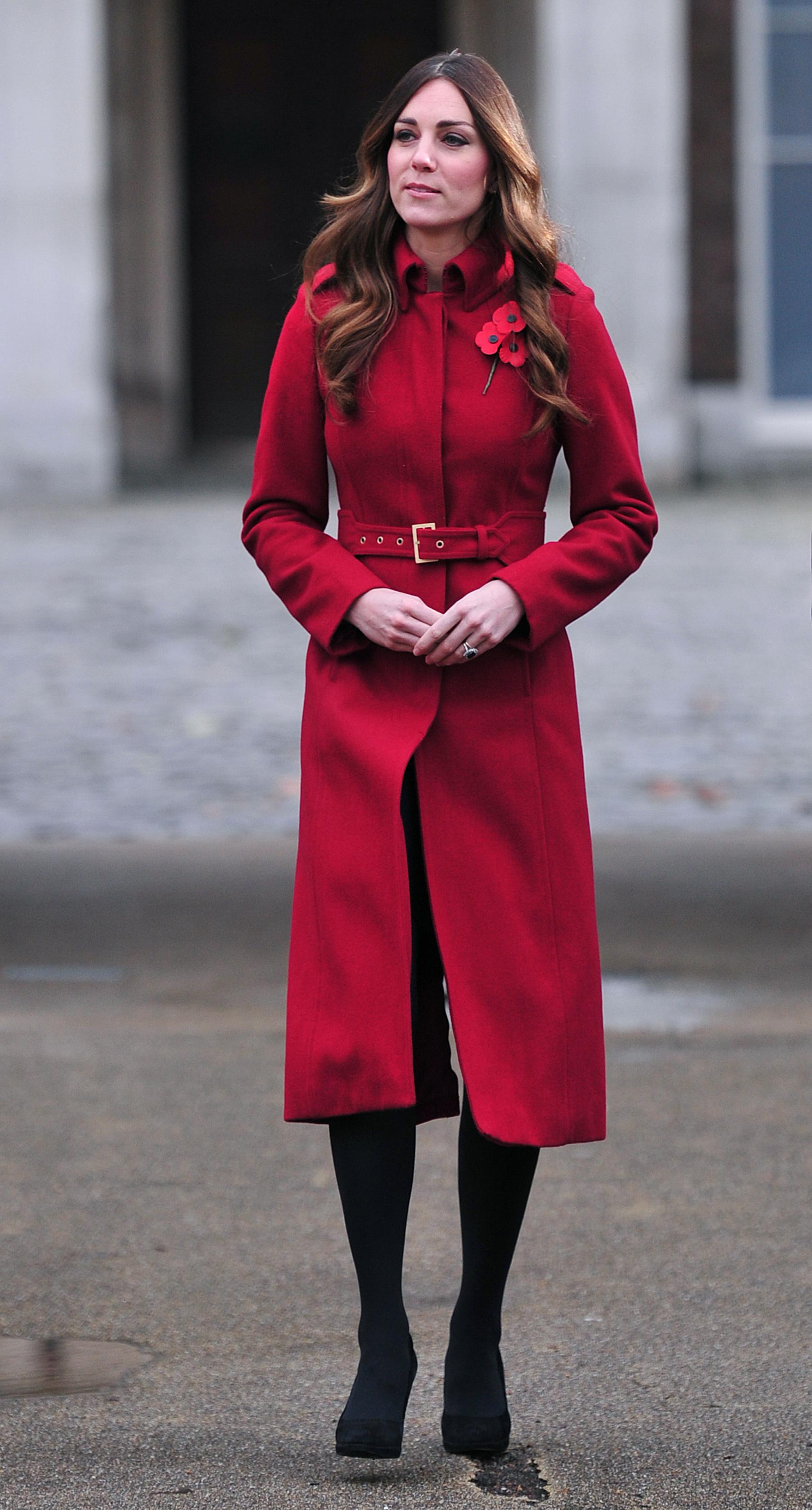 Кейт Миддлтон пообщалась волонтерами в рамках The Annual London Poppy Day