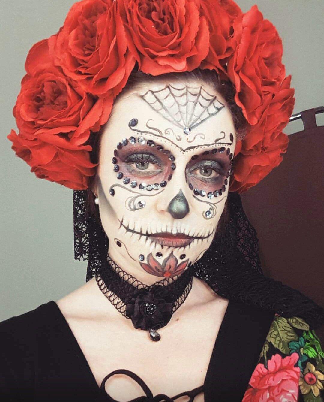Прически на Хэллоуин: образ мексиканской невесты