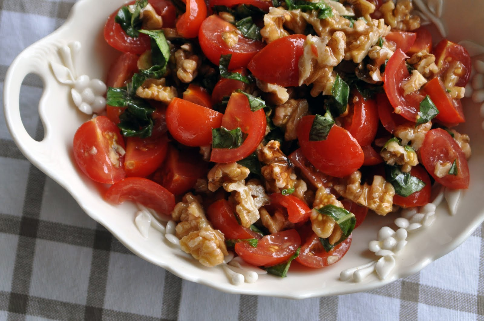 Рецепт салата греческий с грецкими орехами