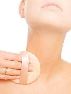 Как сохранить молодость шеи и декольте: ТОП-5 лайфхаков