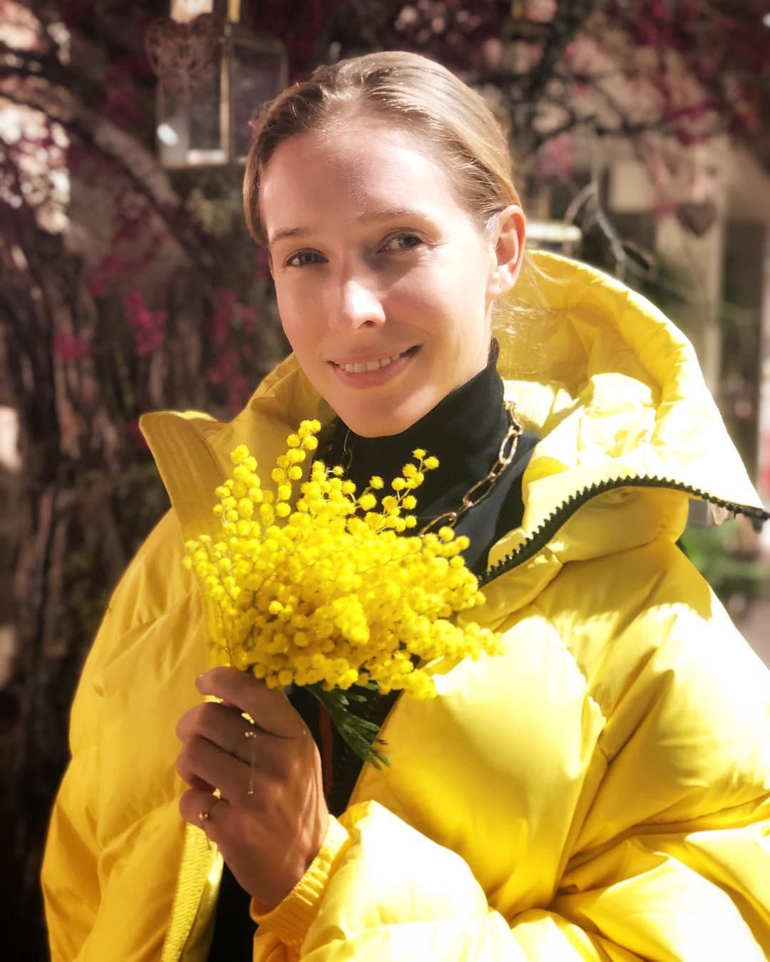 Смелый наряд с рисунком рептилии: Катя Осадчая порадовала модным Look-ом на премьере