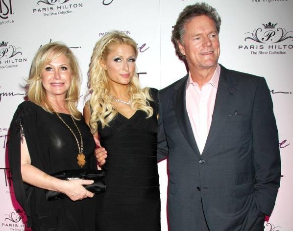 Пэрис Хилтон с родителями