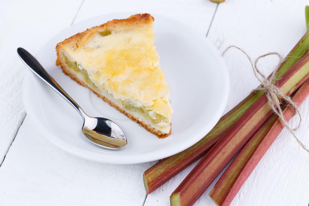 Пирог с ревенем: пошаговый рецепт сезонного блюда