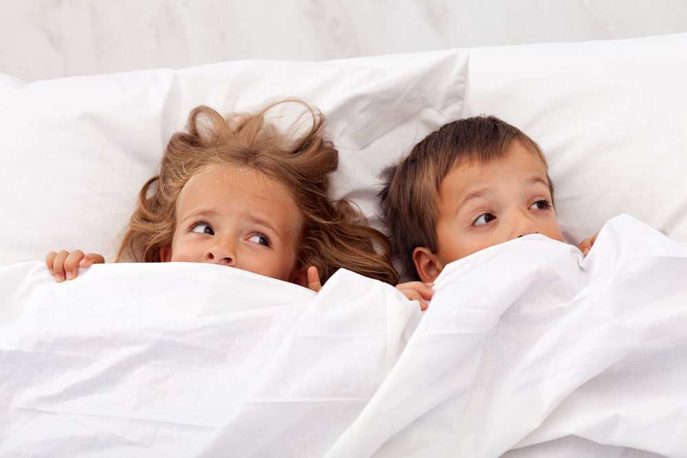 Почему ребёнок боится спать один
