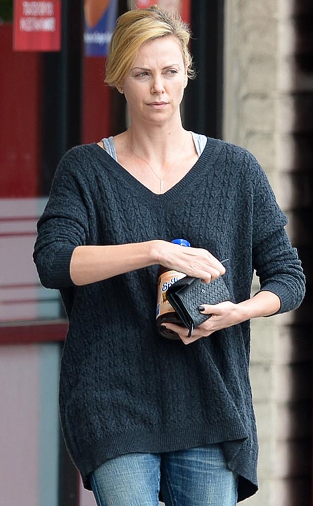 Актриса Шарлиз Терон выглядит ни чуть не хуже без макияжа