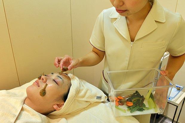 За 60-минут массажа клиентки отдают 161 фунт стерлингов