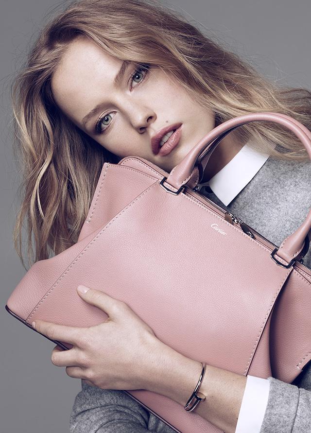 Ювелирный дом Cartier выпустил коллекцию сумок