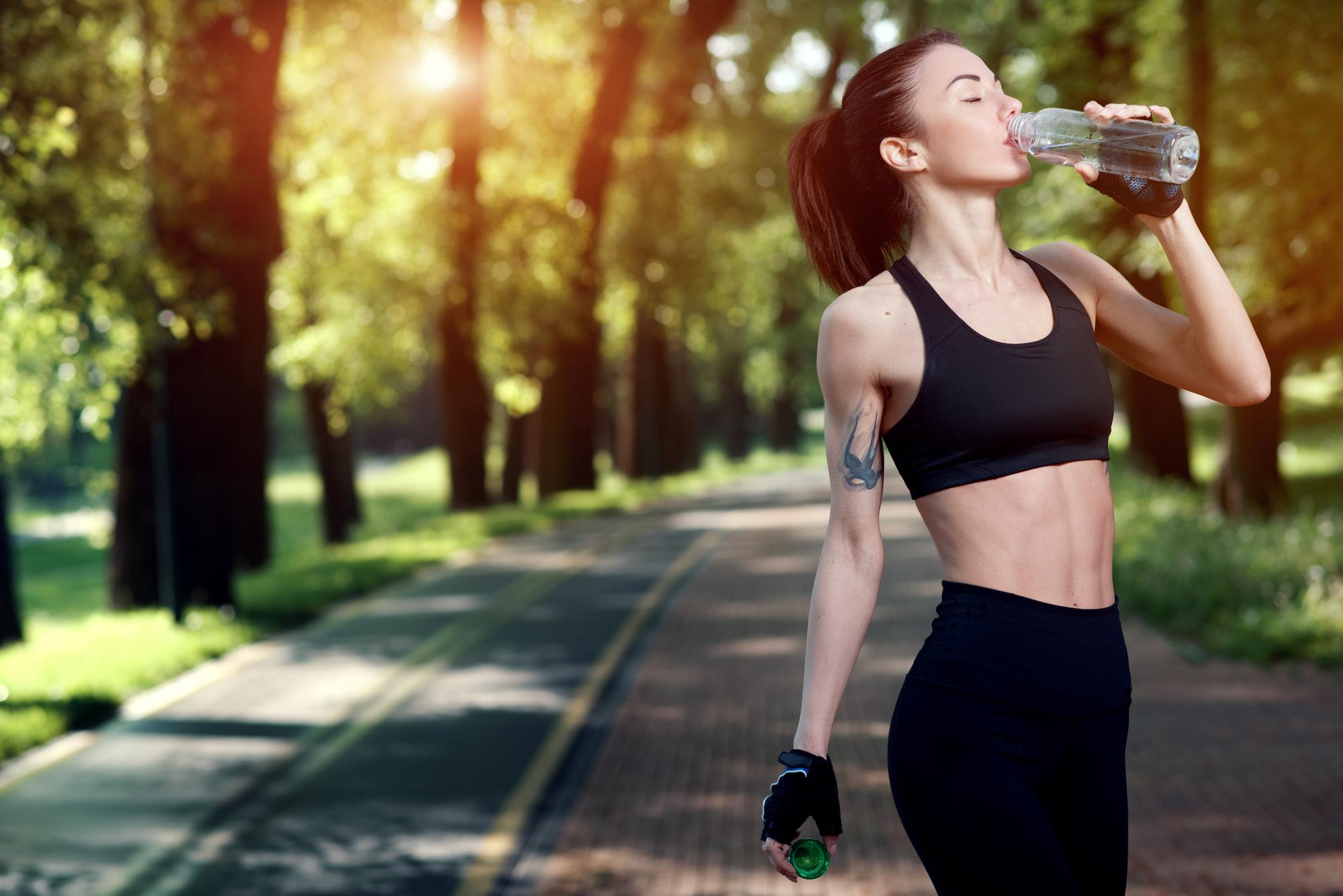 Сколько пить воды, чтобы похудеть