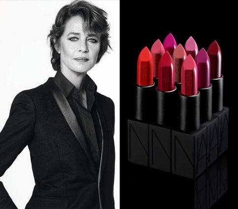 69-летняя британская актриса Шарлотта Рэмплинг для косметического бренда-гиганта NARS
