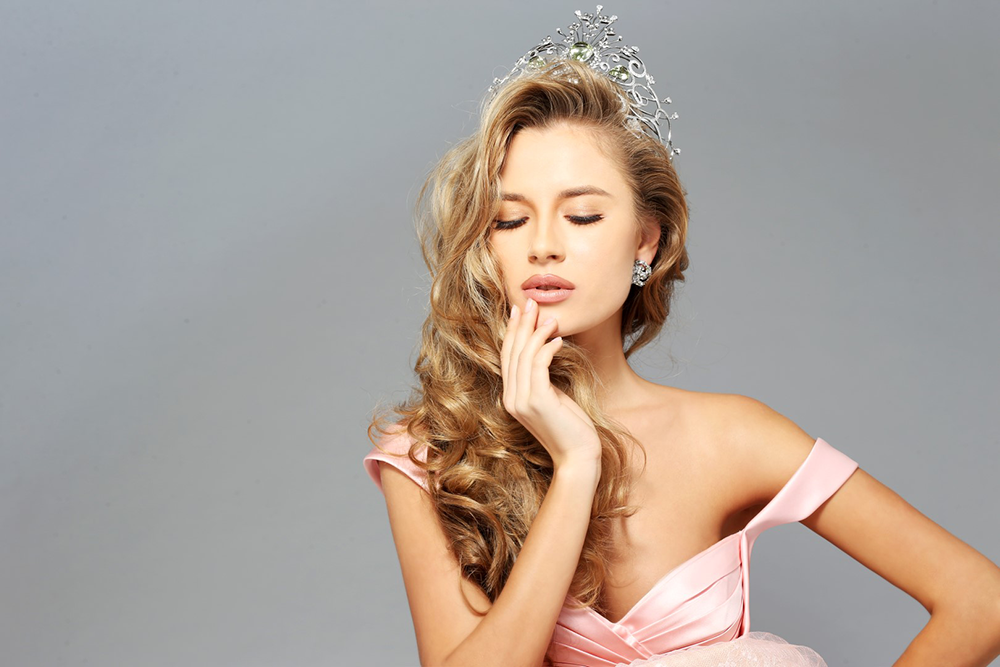 Участница конкурса Мисс Вселенная 2014 от Украины Диана Гаркуша приберегла шикарный наряд для финала