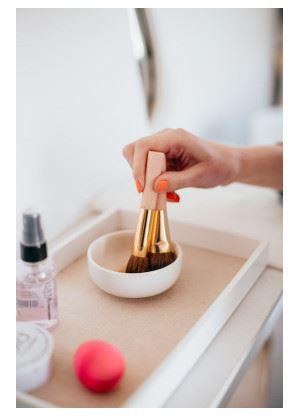 Как очистить спонжи для макияжа