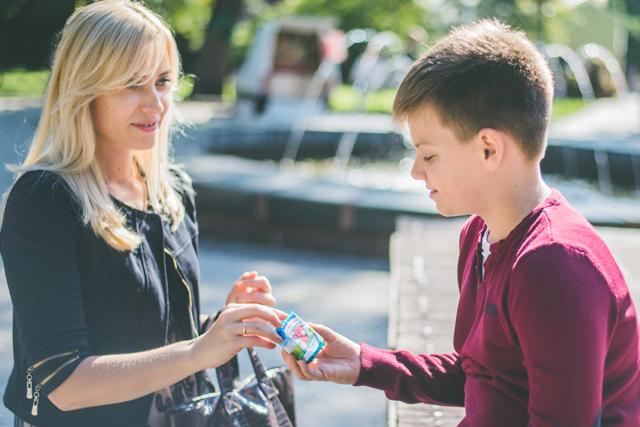 Юлия считает, что плавленый сырок - отличный перекус для ребенка