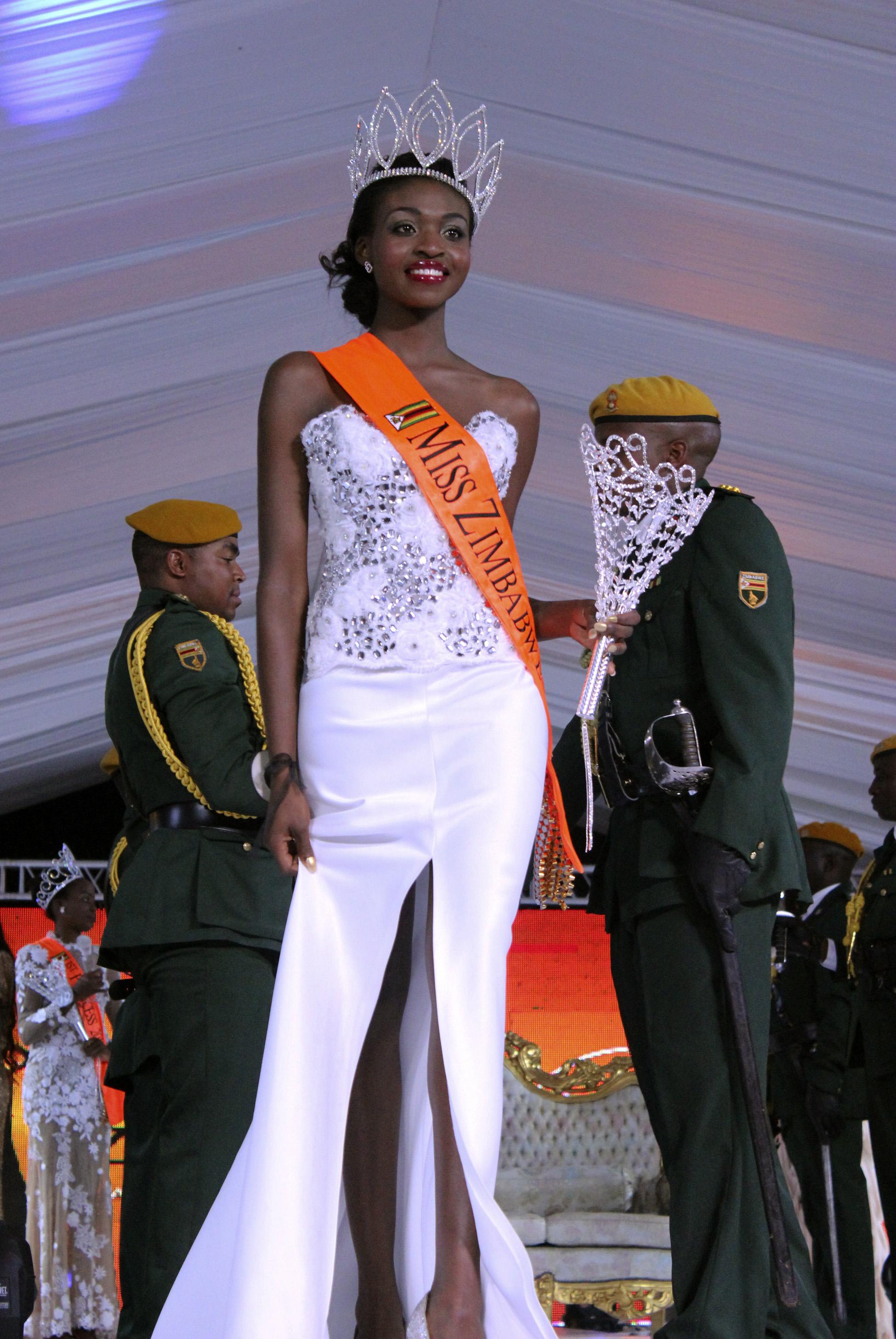 Мисс Зимбабве 2015 Эмили Качоте лишилась короны