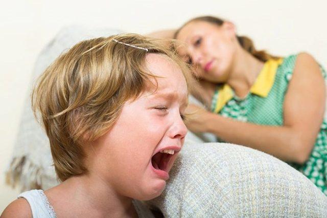 Очень часто дети не понимают, почему взрослые заставляют их делать то, что им совершенно делать не хочется