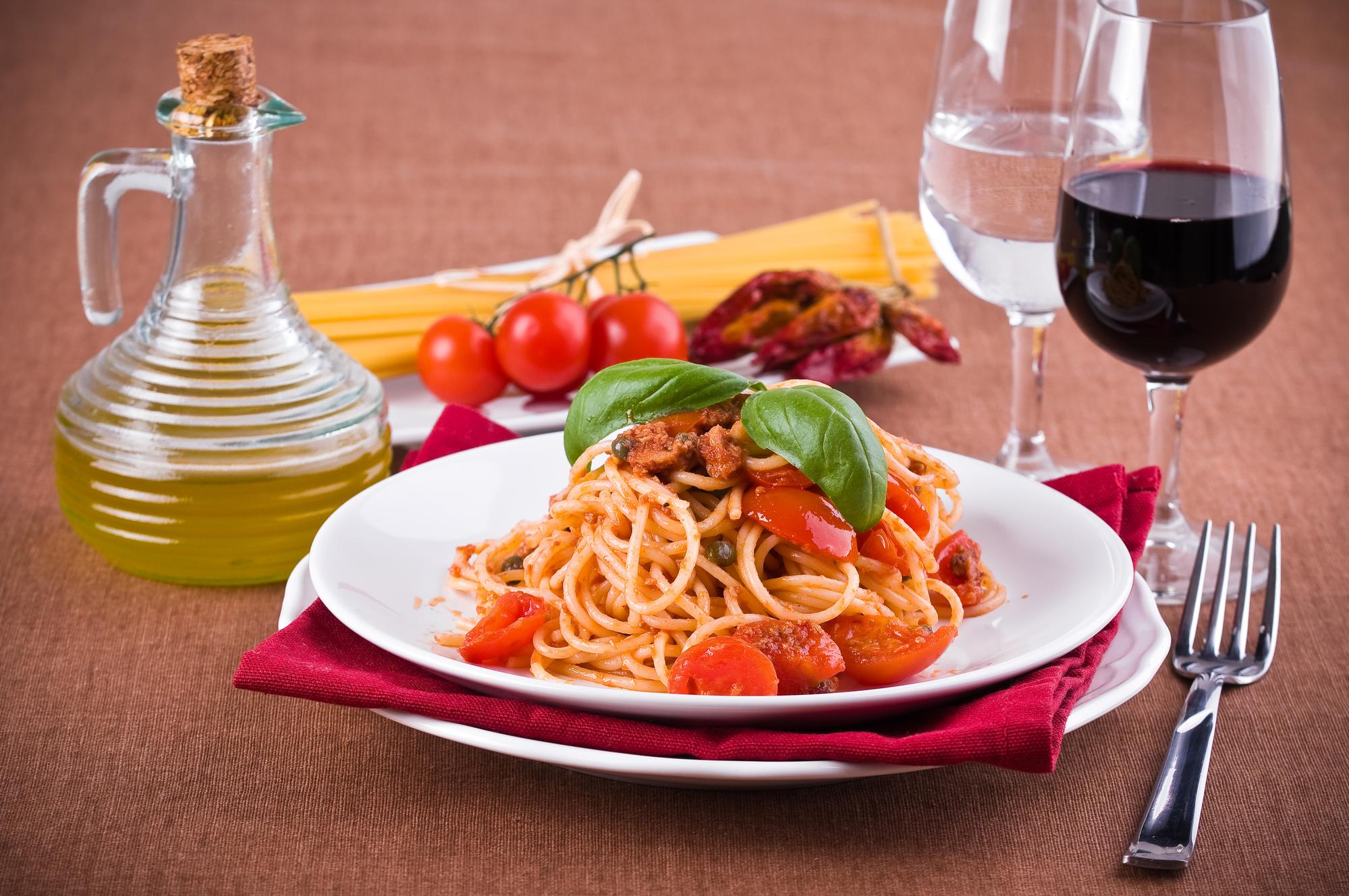 Рецепт на обед: паста с тунцом и овощами