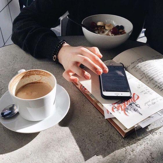 Как смартфоны портят осанку