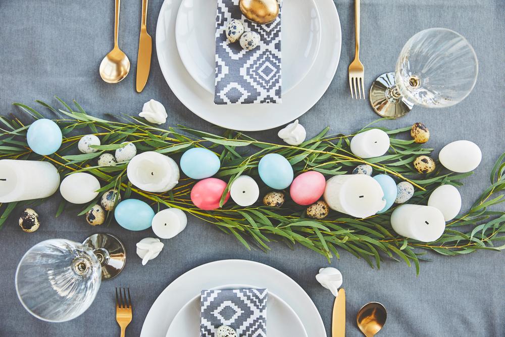 Яркая Пасха: ТОП-5 способов покрасить яйца к празднику