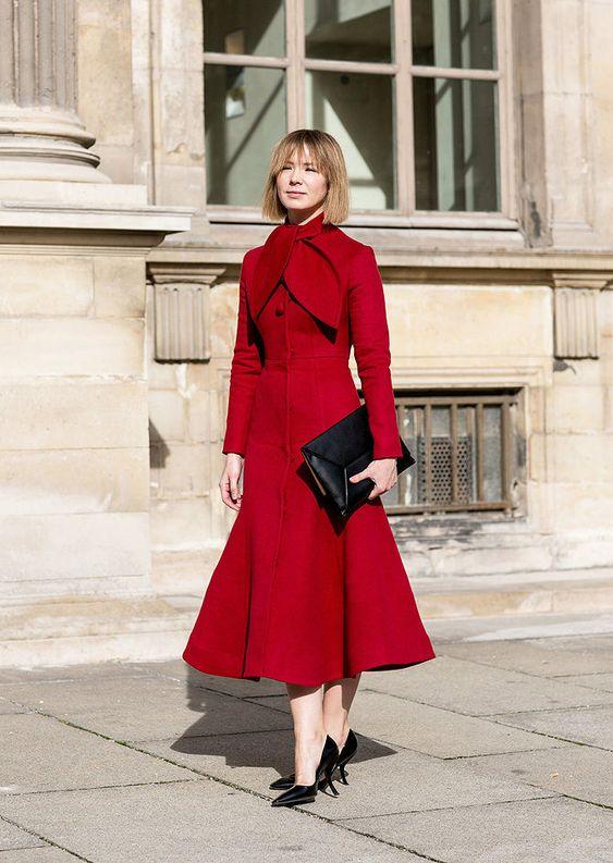 Осенний образ: красное пальто с туфлями - лодочками