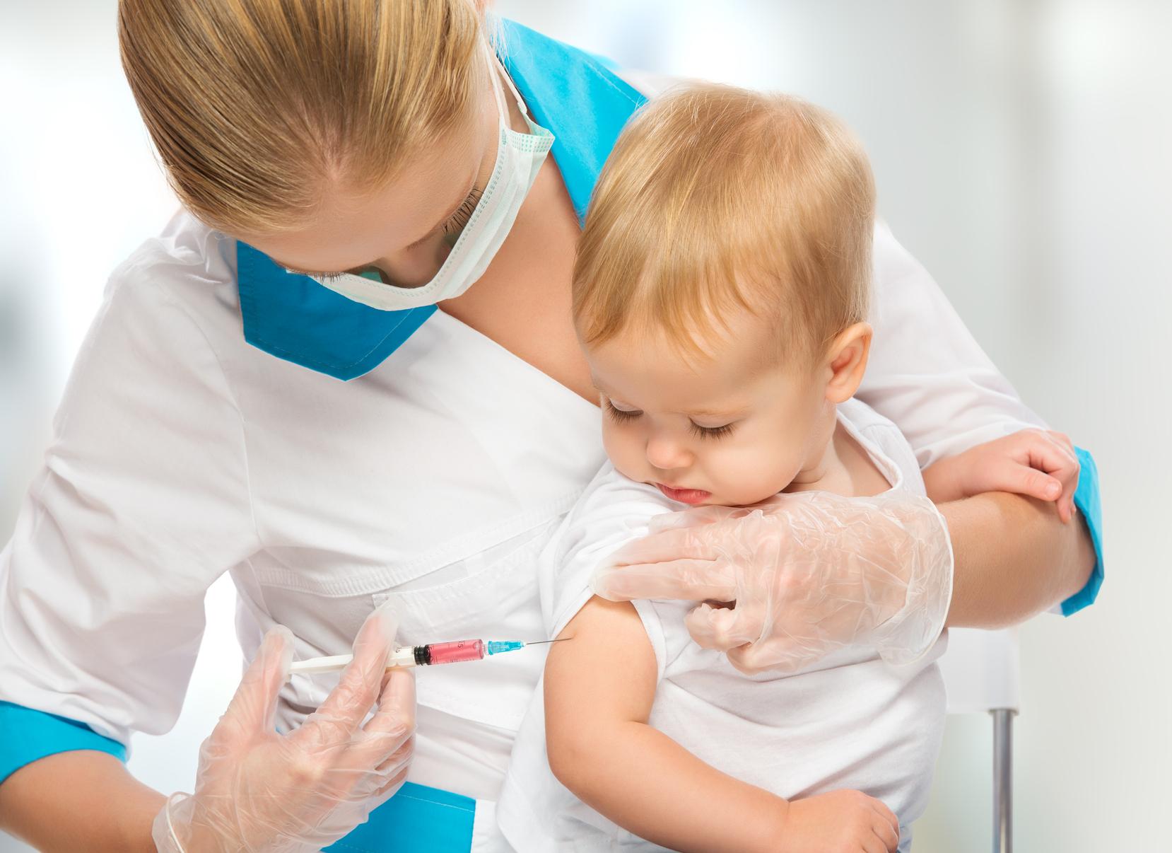 предложения насморк у ребенка после прививки метро