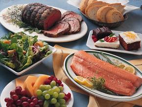Как сохранить оставшиеся от праздничного стола продукты?