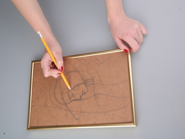 Сначала рисуем карандашом эскиз композиции