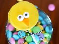 Как приготовить кейк-попсы в виде пасхальных цыплят (видео)