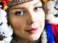 Тина Кароль снялась в свадебном наряде начала XIX века