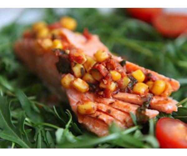 Рецепт                  Форель с кукурузно-томатной сальсой