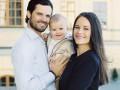 Принц Карл Филипп и принцесса София показали новые фото годовалого сына