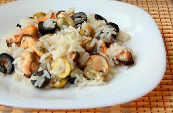 Рецепт                  Зимний рисовый салат с мидиями и маслинами